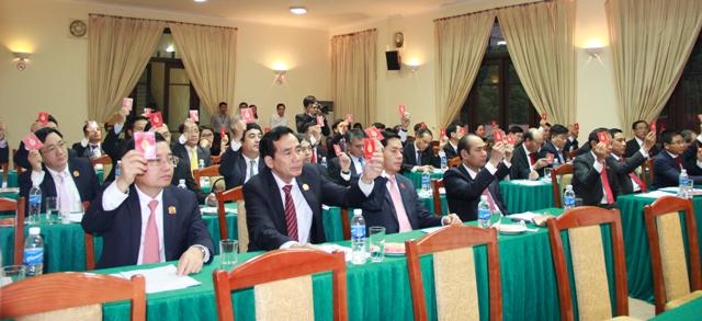Các đồng chí ủy viên Ban Chấp hành Đảng bộ Khối biểu quyết số lượng Ủy viên Ban Thường vụ Đảng ủy Khối nhiệm kỳ 2015 - 2020