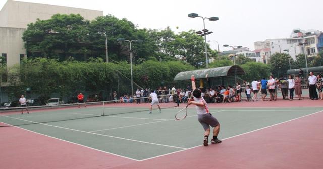 Nội dung thi đấu tennis đôi nam.