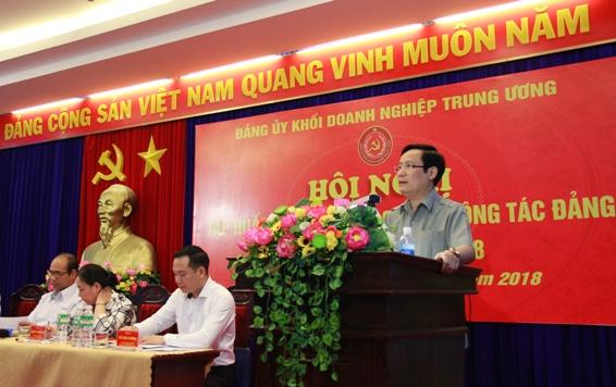 Đồng chí Phạm Tấn Công - Phó Bí thư Đảng ủy Khối Doanh nghiệp Trung ương phát biểu tại Hội nghị