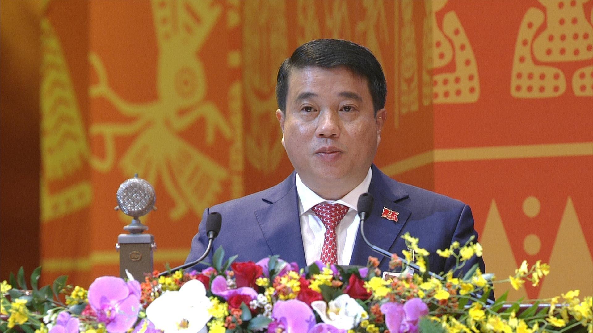 Đồng chí Y Thanh Hà Niê Kđăm, Ủy viên dự khuyết Trung ương Đảng, Bí thư Đảng ủy Khối Doanh nghiệp Trung ương tham luận tại Đại hội.