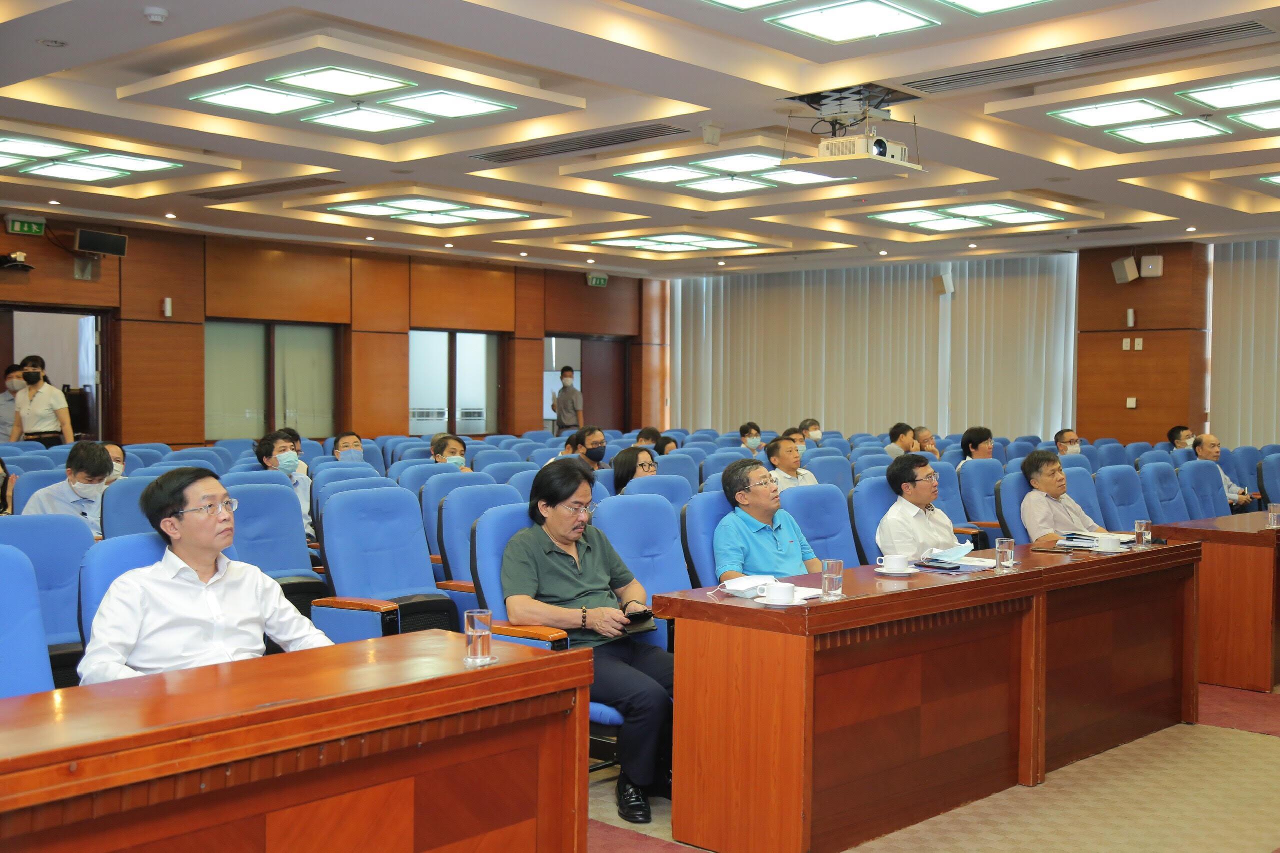 Các đại biểu tham dự Hội nghị tại điểm cầu Đảng ủy Tập đoàn Dầu khí Quốc gia Việt Nam.