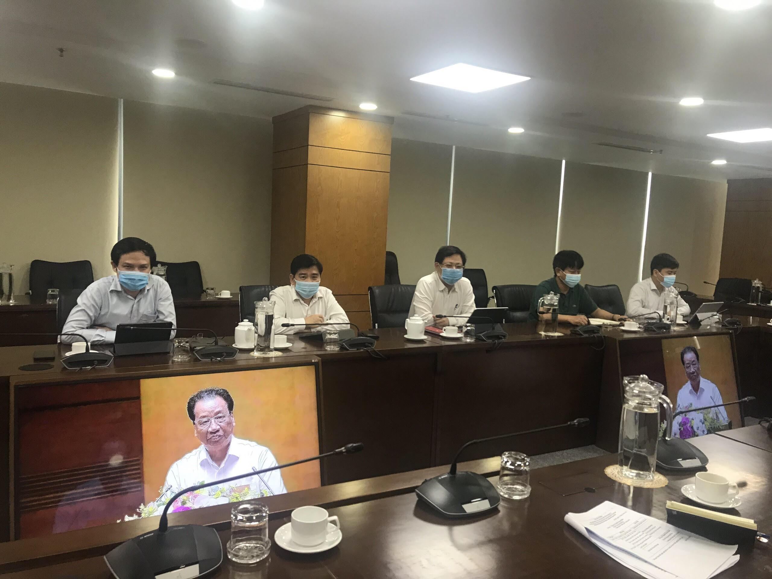 Các đại biểu tham dự Hội nghị tại điểm cầu Đảng ủy Tổng công ty Bưu điện Việt Nam.